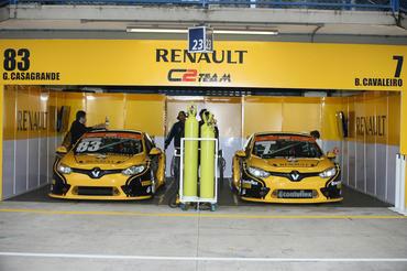 C2 Team defende as cores da Renault